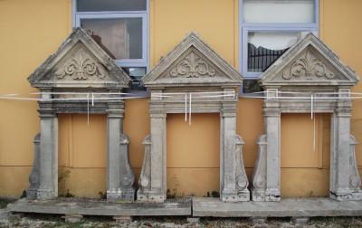 Encadrement pierre de bourgogne du 19e siècle